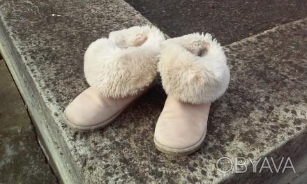 Продаємо взуття,яке на нас маленьке. Капчики на суху погоду. Легенькі, тепленькі. Ивано-Франковск, Ивано-Франковская область. фото 1