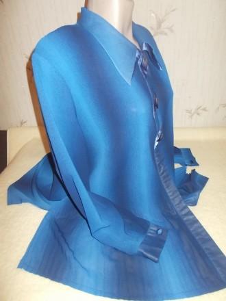 Продам синюю нарядную блузу очень большого размера р.XХХL, б/у в идеальном состо. Чернигов, Черниговская область. фото 3