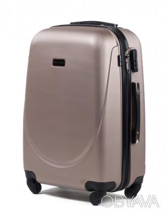 Комплект польских дорожных пластиковый чемоданов Wings (Вингс) произведен из над. Киев, Киевская область. фото 1