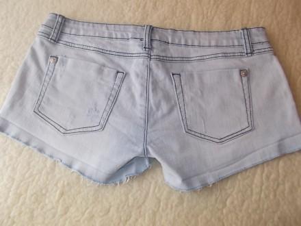 Продам  женские джинсовые шортики р.L  светло-голубого цвета в хорошем состоянии. Чернигов, Черниговская область. фото 4