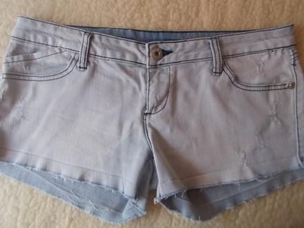 Продам  женские джинсовые шортики р.L  светло-голубого цвета в хорошем состоянии. Чернигов, Черниговская область. фото 6