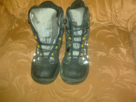 продам высокие зимние детские ботинки на мальчишку б/у термо. Лисичанск. фото 1