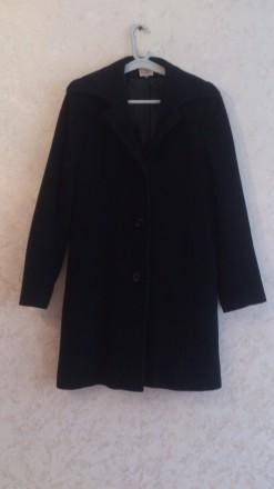 Черное пальто. Ивано-Франковск. фото 1