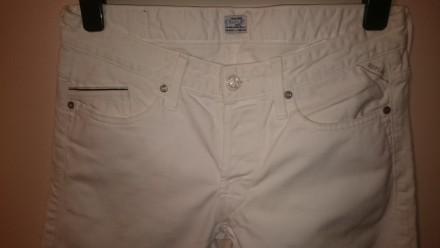 Роскошные белые джинсы от известнейшего итальянского бренда Replay. Качественный. Киев, Киевская область. фото 3