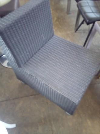 Продам кресло б/у прямое из искуственного ротанга для кафе, бара, ресторана. Киев. фото 1