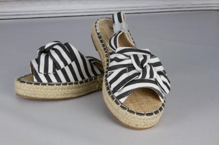 Босоніжки з текстилю Київ - купити взуття на дошці оголошень OBYAVA.ua 7535ac674ce72