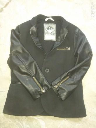 Срочно продам фирменный, модный, стильный пиджак для мальчика, размер 5-6 лет, В. Чернигов, Черниговская область. фото 2