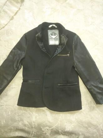 Срочно продам фирменный, модный, стильный пиджак для мальчика, размер 5-6 лет, В. Чернигов, Черниговская область. фото 4