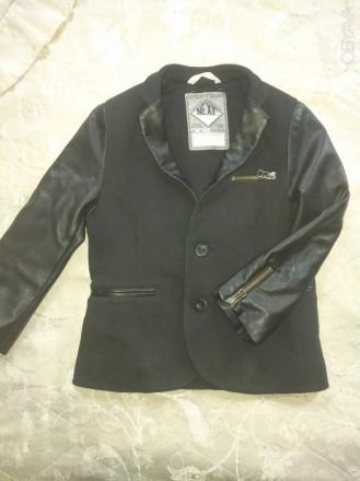 Срочно продам фирменный, модный, стильный пиджак для мальчика, размер 5-6 лет, В. Чернигов, Черниговская область. фото 3