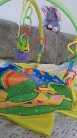Яркий развивающий коврик, в идеальном состоянии , для малышей от 0-6 мес . Коври. Кременчуг, Полтавская область. фото 4