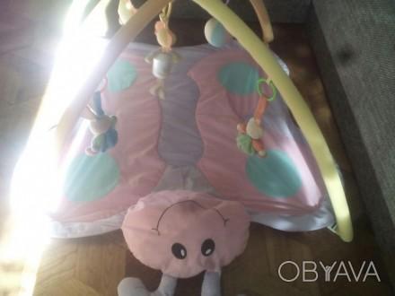 Коврик с дугами в виде бабочки, 5 мягких игрушек ( шуршат, пищат) в хорошем сост. Одеса, Одеська область. фото 1