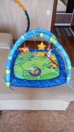 Продам развивающий коврик в отличном состоянии, дуги и игрушки мягкие, для малыш. Славянск, Донецкая область. фото 2