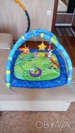 Продам развивающий коврик в отличном состоянии, дуги и игрушки мягкие, для малыш. Славянск, Донецкая область. фото 1