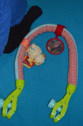 Дугу можно расправить и использовать как перетяжку с игрушками в кроватке. К дуг. Бахмут (Артемівськ), Донецька область. фото 2