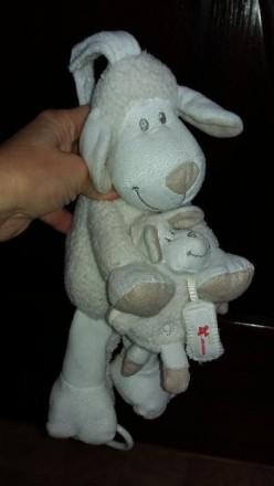 """Музыкальная игрушка-подвеска """"Овечка и малыш"""". Б/у в хорошем рабочем состоянии. . Херсон, Херсонская область. фото 2"""