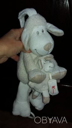 """Музыкальная игрушка-подвеска """"Овечка и малыш"""". Б/у в хорошем рабочем состоянии. . Херсон, Херсонская область. фото 1"""