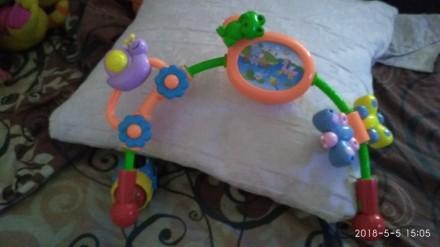 Работает от батареек(уже есть), две мелодии играют нажать на лягушку, лужок свет. Зіньків, Полтавська область. фото 2