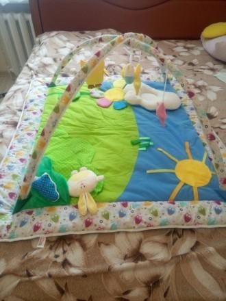 Продам развивающий коврик, новый, не пользовались, покупала на розетке. Развиваю. Киев, Киевская область. фото 2