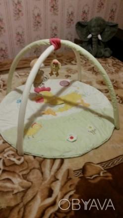 Коврик в нормальном состоянии. Три подвесные съемные игрушки цветочек с пищалкой. Мукачево, Закарпатська область. фото 1