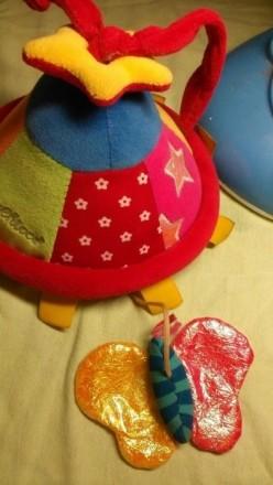 Подвеска колокольчик. Играет нежную мелодию. Из минусов с одной стороны жёлтое к. Київ, Київська область. фото 5
