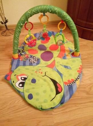 Подам развивающий детский коврик, который включает 3 игрушек. Могу переслать удо. Чернівці, Вінницька область. фото 2