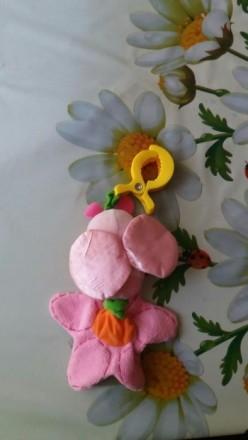 Іграшка в хоршому стані. Відтягується квіточка вібрує і дзвепить. Прищепка трима. Луцьк, Волинська область. фото 4