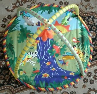 Развивающий коврик для ребёнка в хорошем состоянии. Яркий, красивый, легко стара. Синельниково, Днепропетровская область. фото 3