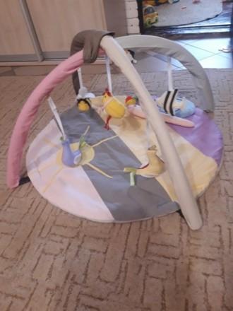 Коврик в отличном состоянии, пользовались мало, ребенок не хотел лежать, в основ. Черкаси, Черкаська область. фото 3