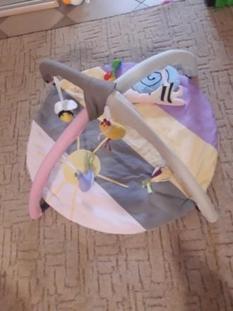 Коврик в отличном состоянии, пользовались мало, ребенок не хотел лежать, в основ. Черкаси, Черкаська область. фото 2