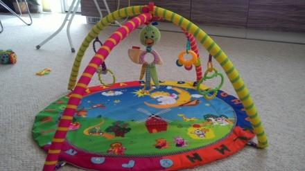Прикольный коврик в отличном состоянии с игрушками. В центре игрушка с вибрацией. Овидиополь, Одесская область. фото 2