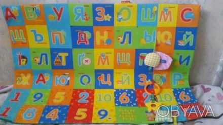 Продается развивающий коврик в идеале чистенький без пятен с грызунками и пищалк. Одеса, Одеська область. фото 1