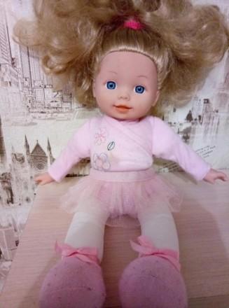 Красивая куколка с милым личиком,и красивыми густыми волосами.Нажимая на живот,з. Київ, Київська область. фото 2