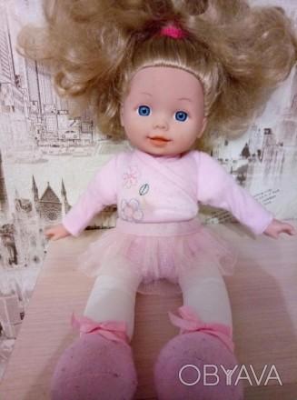 Красивая куколка с милым личиком,и красивыми густыми волосами.Нажимая на живот,з. Київ, Київська область. фото 1