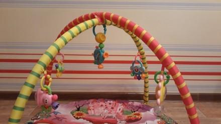 Продам яркий развивающий коврик, каждая игрушка имеет свое звучание, игрушки мен. Кременчук, Полтавська область. фото 5
