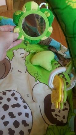 Приятный зеленый коврик в отличном состоянии. Есть бортики, что предотвращает вы. Суми, Сумська область. фото 6