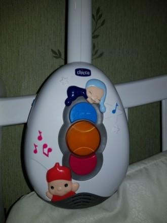 Мобиль на кроватку Chicco. Наша малышка глаз от игрушек не отводила. Состояние о. Каланчак, Херсонская область. фото 4