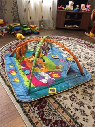 Классный развивающий коврик от Tiny Love. Моему ребенку он очень нравиться. Музы. Шостка, Сумська область. фото 2