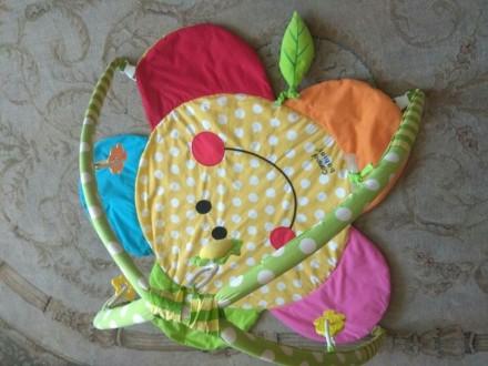 Развивающий коврик,яркий,мягкий,подвесные игрушки.Хорошее состояние.. Одесса, Одесская область. фото 3