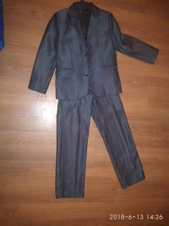 Продам школьную форму на мальчика на рост 122-128.На штанах маленькая дырочка.По. Днепр, Днепропетровская область. фото 3