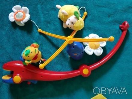 Мобиль с мягкими игрушками, которые смотрят на ребенка. Их можно снять и играть.. Одеса, Одеська область. фото 1