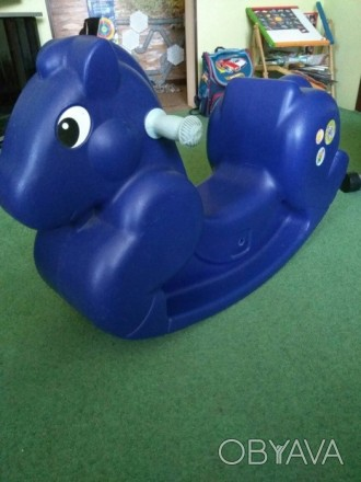 Пластмассовая лошадь-качалка для дома или двора. Возраст от 1 года до 5 лет Разм. Котовск, Одесская область. фото 1