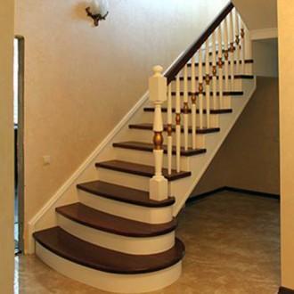 Заказать лестницу, изготовление, сварка и обшивка деревом.. Бровары. фото 1