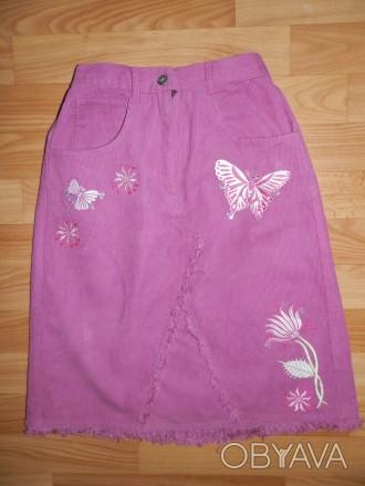 Продам стильную удлинённую вельветовую юбку Adams р.140. Украшена вышитыми аппли. Южний, Одеська область. фото 1