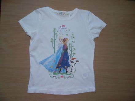 Продам футболку H&M с Эльзой и Анной р.122-128 состояние новой - срезали бирки и. Южный, Одесская область. фото 2