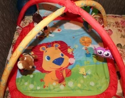 Развивающий коврик с игрушками. Сумы. фото 1