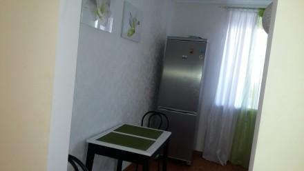 Однокімнатна квартира з гарним ремонтом, укомплектована меблями та побутовою тех. Автовокзал, Ровно, Ровненская область. фото 12
