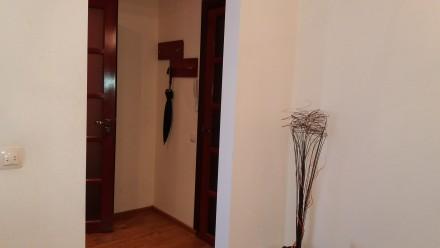 Однокімнатна квартира з гарним ремонтом, укомплектована меблями та побутовою тех. Автовокзал, Ровно, Ровненская область. фото 8