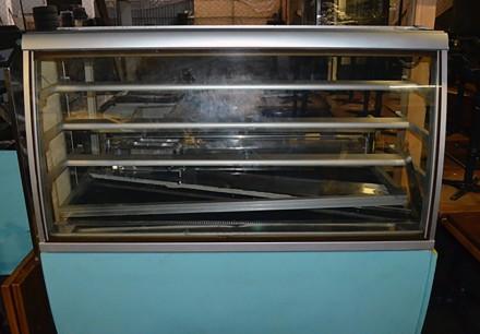 Холодильная витрина бу. Кондитерская витрина бу.. Киев. фото 1