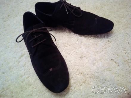 Отличные замшевые туфли коричневый насыщенный цвет 43 размер, немного полномерки. Чернігів, Чернігівська область. фото 1