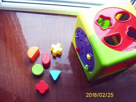 Развивающий кубик !. Лубны. фото 1